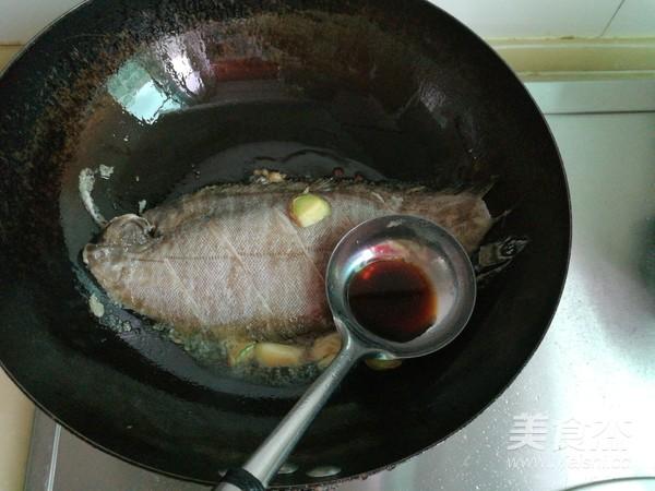 平鱼炖海鲜菇怎么做