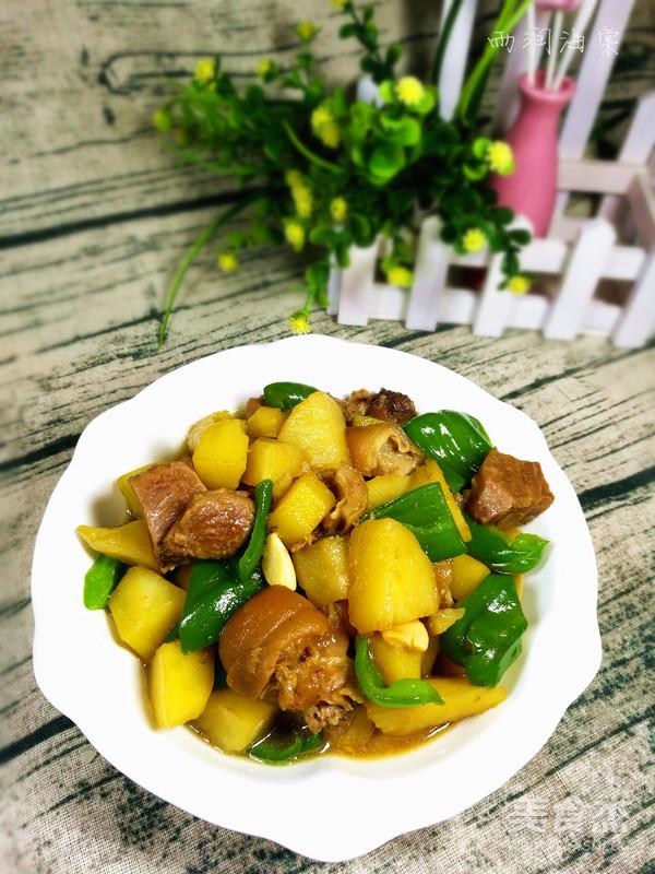 肘子肉燉土豆青椒成品圖