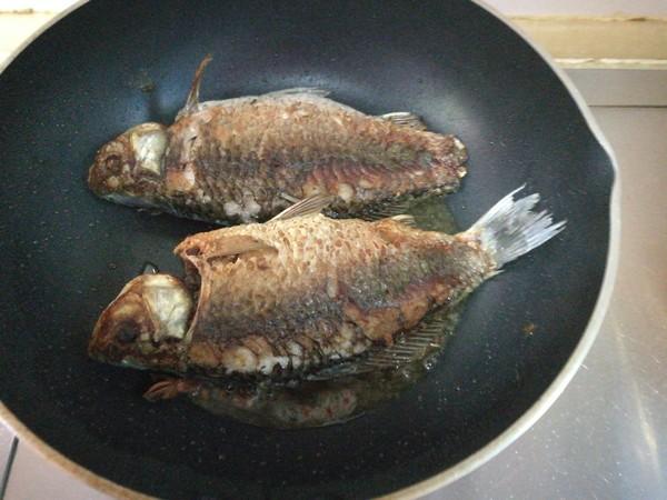 倒笃菜炖鲫鱼怎么吃