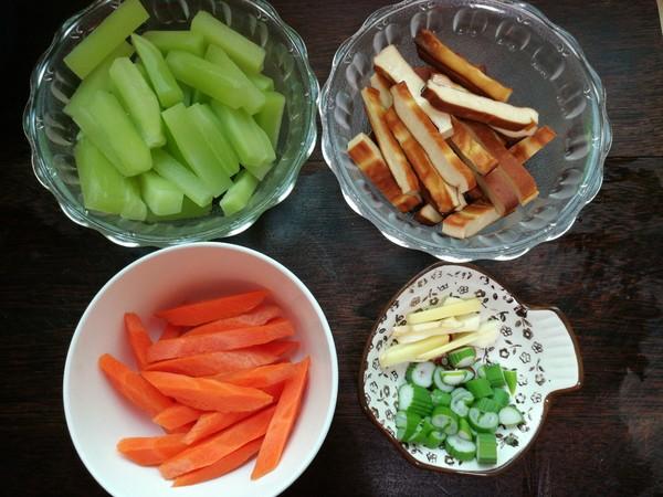 莴笋豆干的做法大全