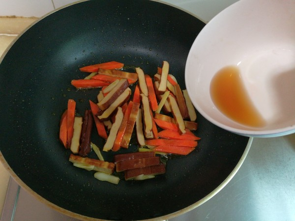 莴笋豆干怎么吃