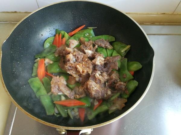 油豆角焖牛肉怎么煮