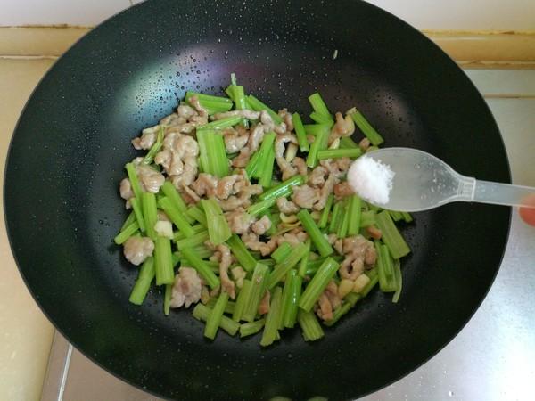 芹菜炒肉怎样炒