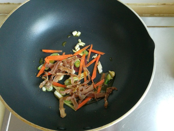 土豆粉牛肉汤的家常做法
