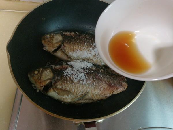 榨菜鲫鱼怎么做