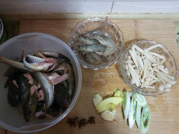 海鲶鱼炖海鲜菇的做法大全