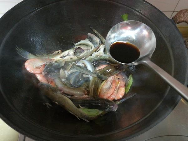 海鲶鱼炖海鲜菇怎么炖