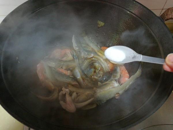 海鲶鱼炖海鲜菇怎样煸