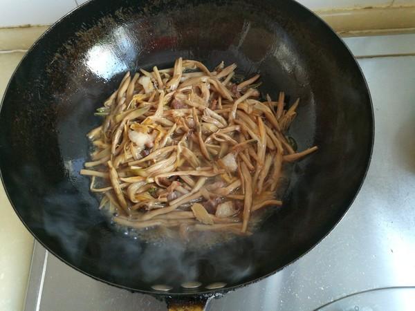炖黄花菜怎么煮