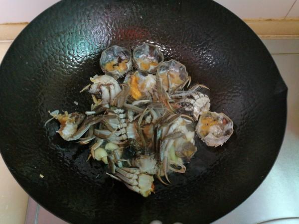 南瓜河蟹庆丰收怎么吃