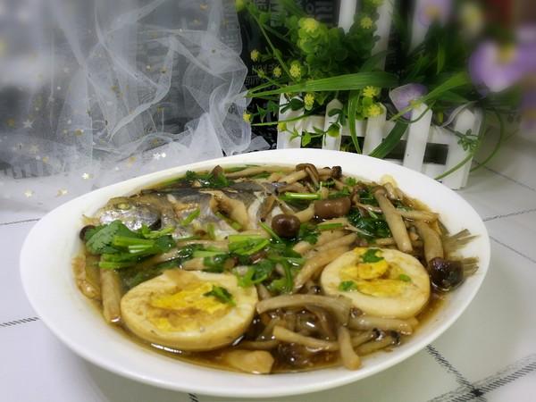 银鲳鱼炖海鲜菇怎么煸