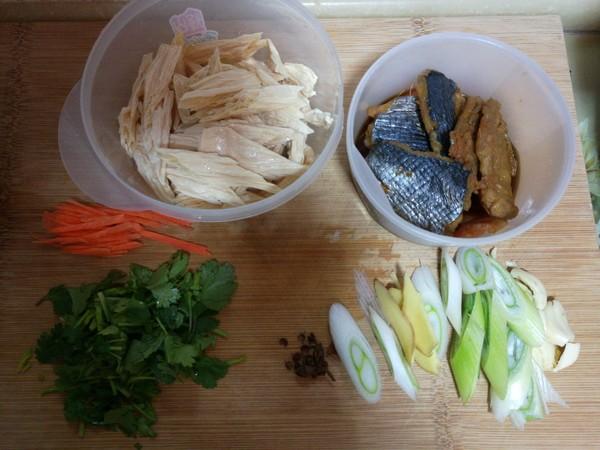 腐竹炖鱼干的做法大全