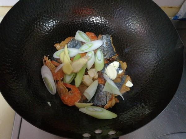 腐竹炖鱼干的简单做法
