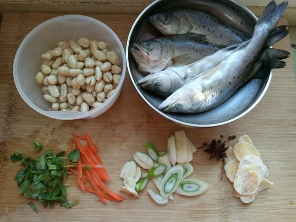 鲈鱼炖花生米的简单做法