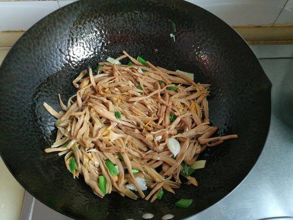 黄花菜炖排骨怎么吃