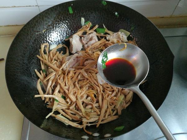 黄花菜炖排骨怎么炒