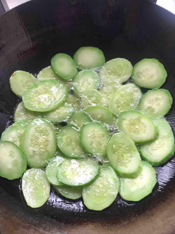 紫苏煎黄瓜的简单做法