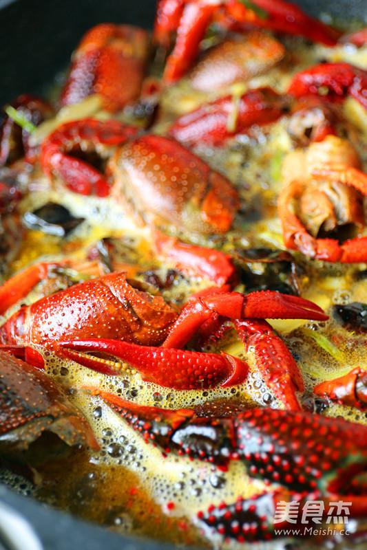 油焖龙虾怎么炒