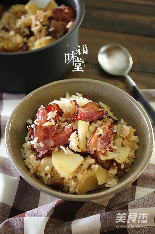 土豆腊肉焖饭怎样煸