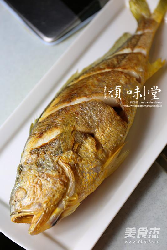 红烧大黄鱼怎么吃