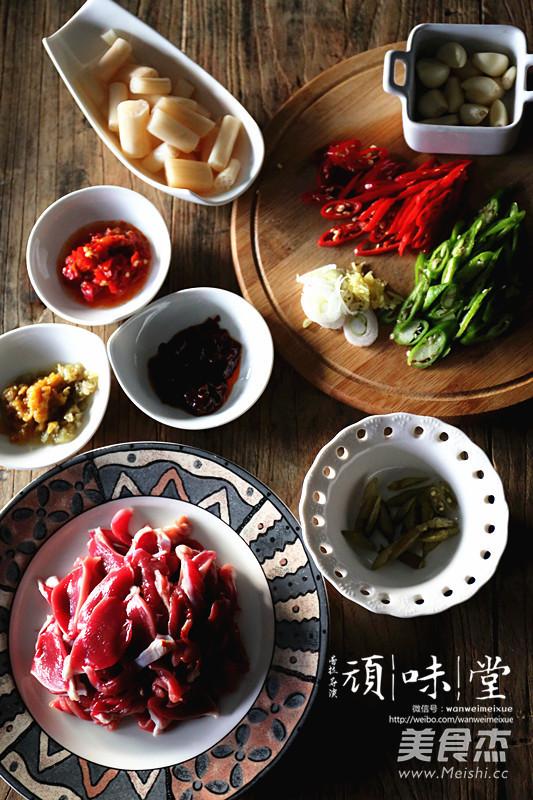 泡椒藕带炒鸡胗的步骤