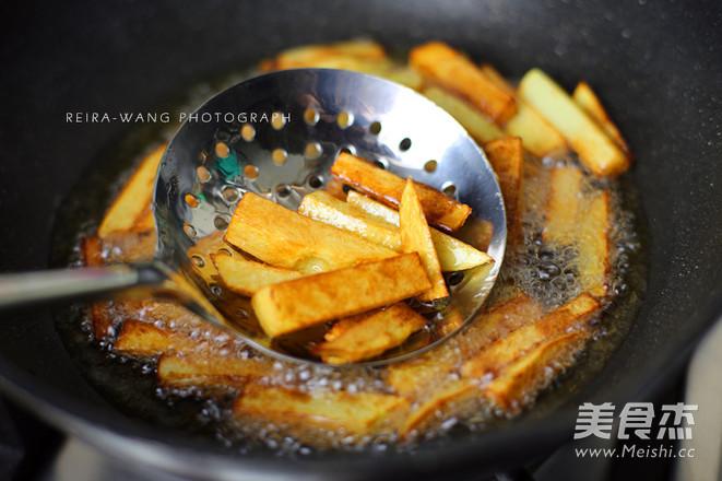 干锅香辣牛蛙的简单做法