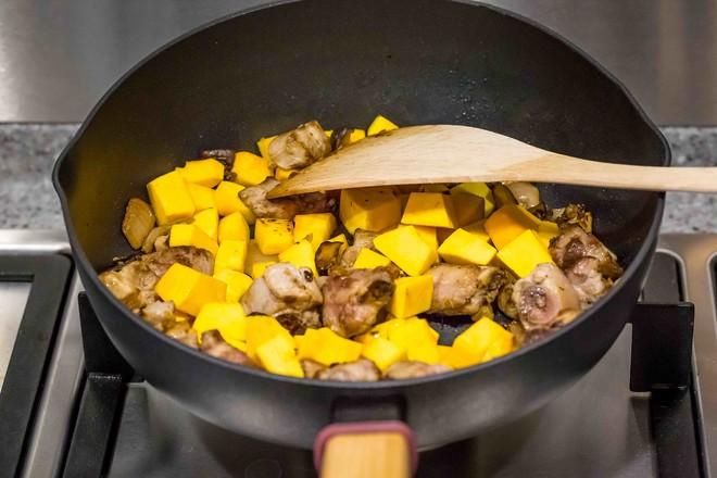 南瓜排骨焖饭怎么做