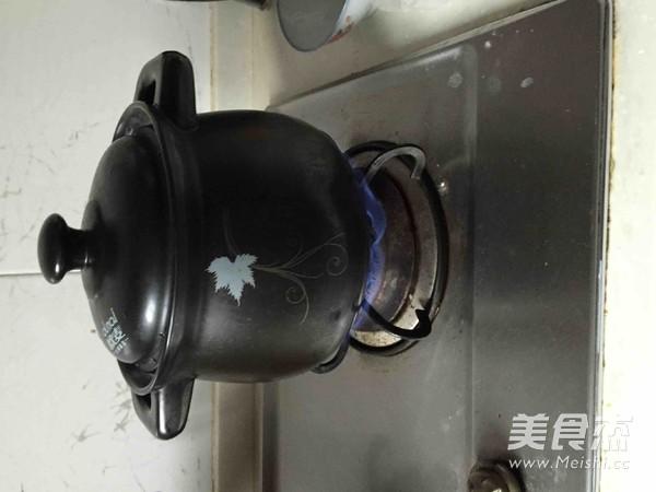 牛蒡胡萝卜瘦肉汤的家常做法