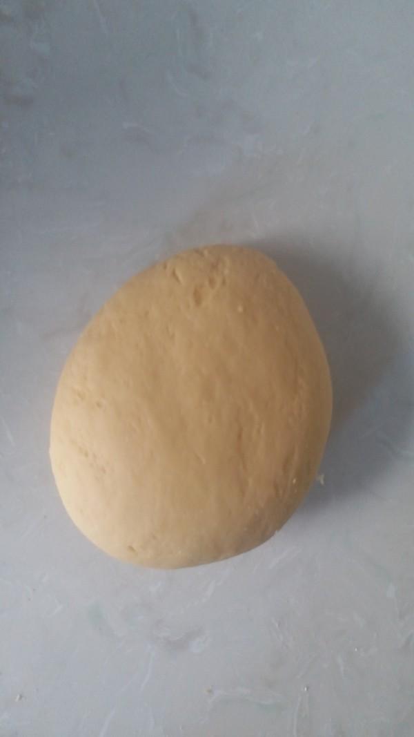 柔软香甜的心形椰蓉奶香包的简单做法