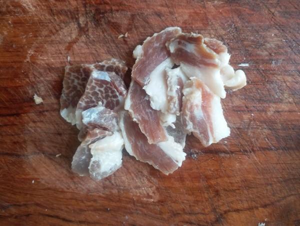 腊肉香菇煲仔饭的家常做法