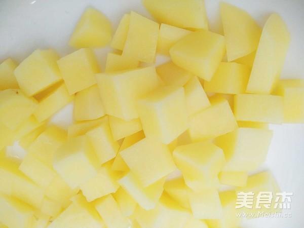 辣炒土豆胡萝卜块的家常做法