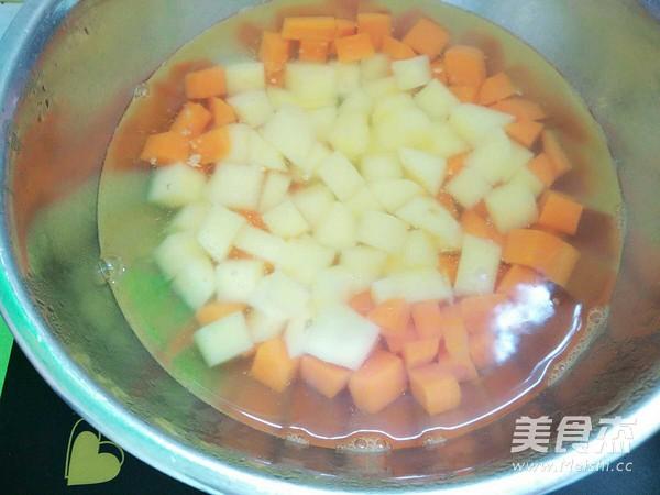 辣炒土豆胡萝卜块怎么做