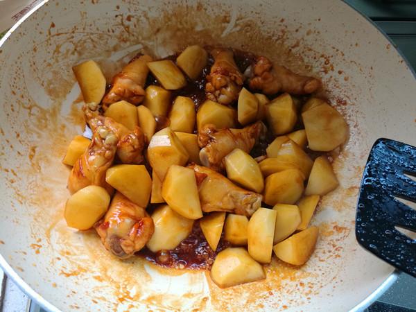 鸡小腿焖土豆怎么做