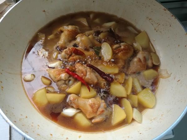 鸡小腿焖土豆怎么炒