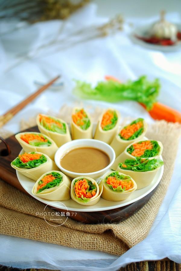 豆皮生菜卷成品图