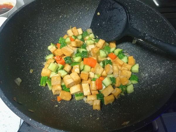 黄瓜豆腐丁怎么炒