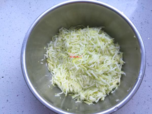 西葫芦鸡蛋素包子的家常做法