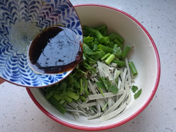 凉拌豆腐丝怎么炒