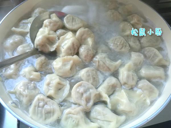 牛肉芹菜饺子怎么炖