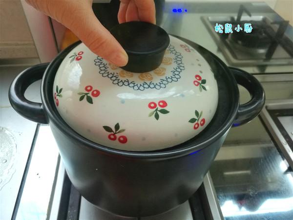 菊花冰糖煮梨水怎么做