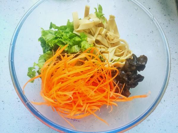 美味减脂菜——生菜拌豆皮的家常做法