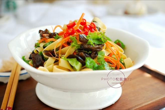 美味减脂菜——生菜拌豆皮怎么做