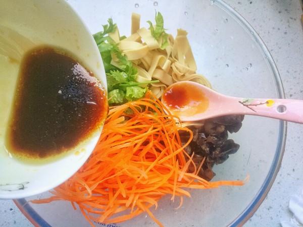 生菜拌豆皮怎么吃