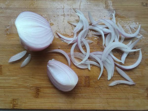 洋葱拌木耳的做法图解