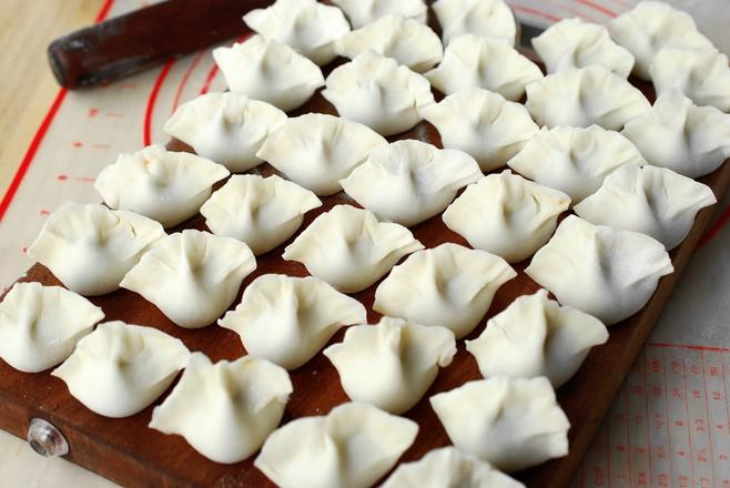 #冬至大如年#薄皮大馅儿,一咬满口香的香菇鸡肉饺子怎么炖