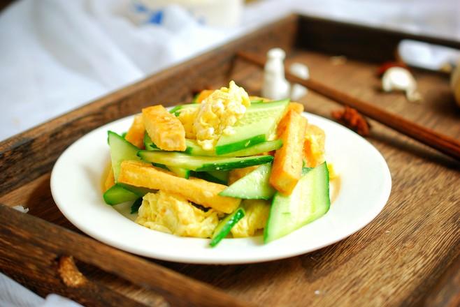 黄瓜鸡蛋炒豆腐,一道简单的素菜,清淡爽口不上火怎么煮
