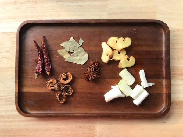 萝卜面藕炖牛肉的家常做法