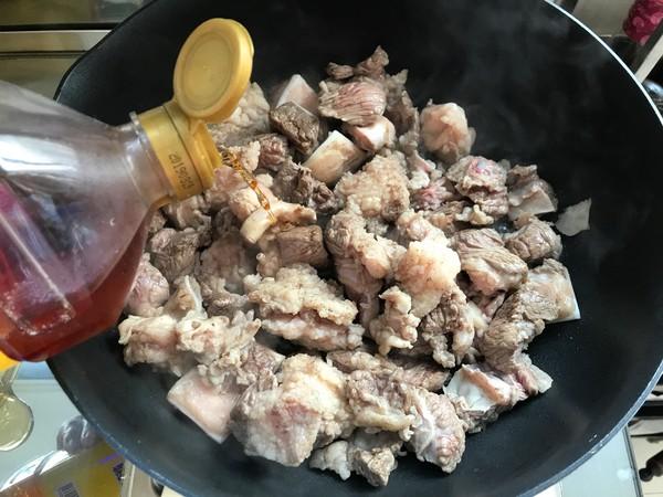 萝卜面藕炖牛肉的简单做法
