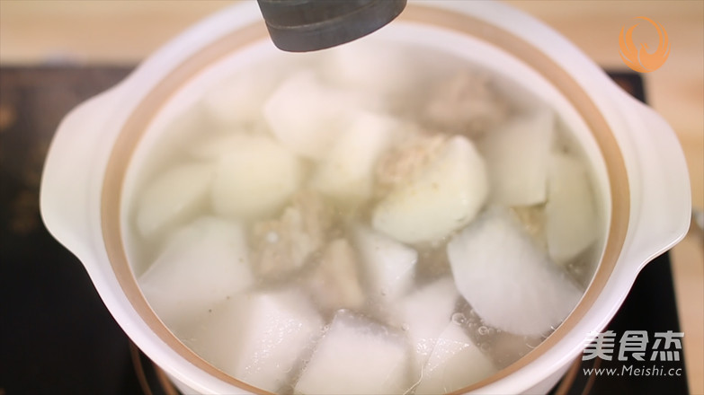 白萝卜排骨汤怎样做