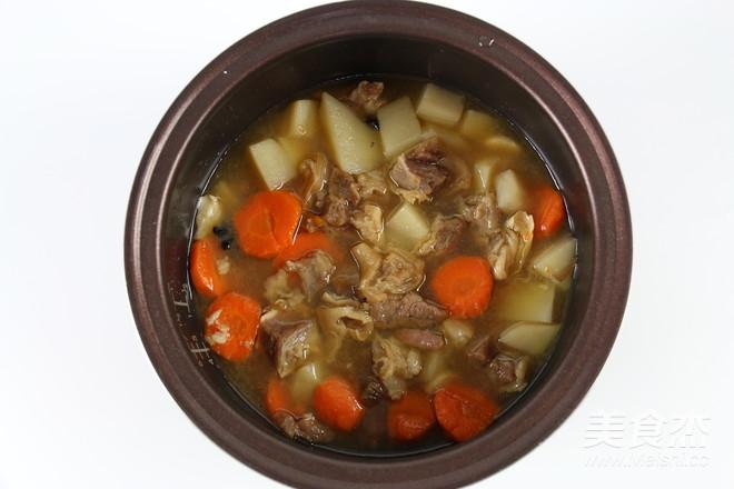 土豆萝卜焖牛腩怎样煸